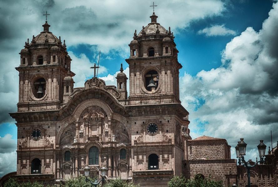 Que voir autour de la place d'arme de Cuzco ?