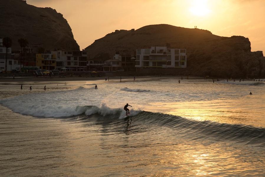 Les 10 meilleures plages du Pérou pour surfer